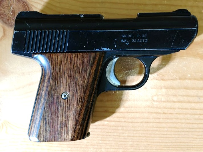 Another Oldie but Goody** nice used old school Davis P32  32acp 6+1