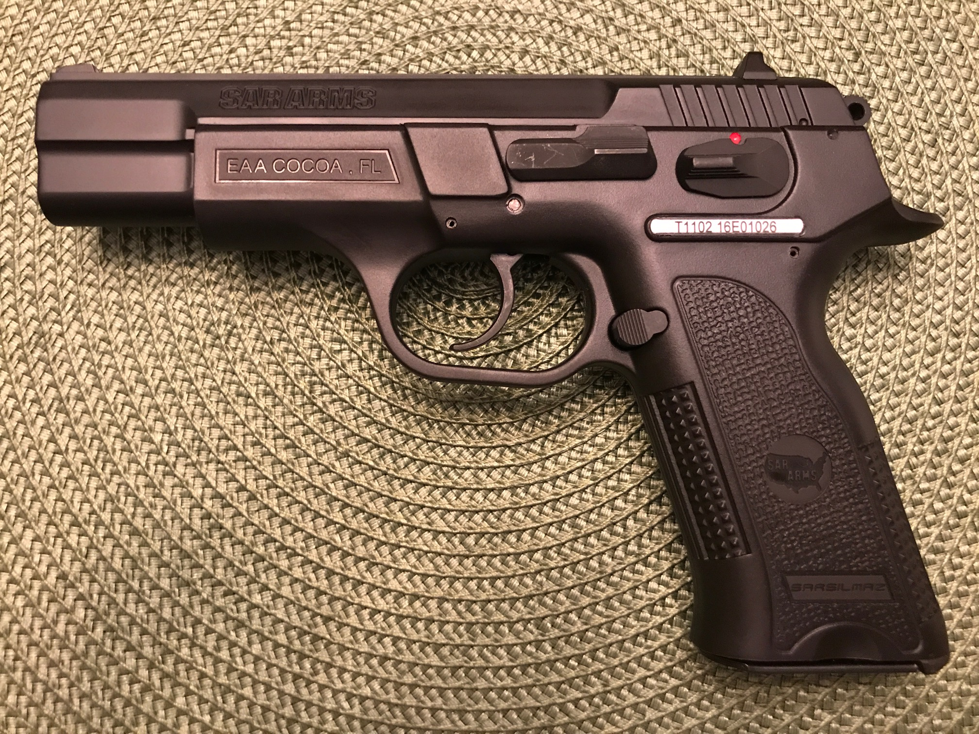 SAR B6P 9mm (Auction ID: 11501129, End Time : May  17, 2018
